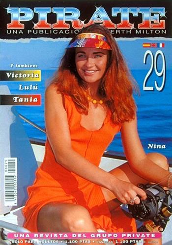 221473230_private_magazine_-_pirate_029.jpg