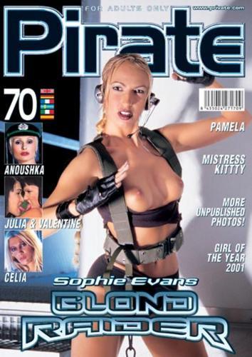 221480315_private_magazine_-_pirate_070.jpg