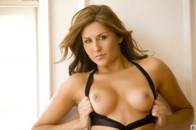 221896849_amie_lou_nude__sexy_70_nude_photos_7.jpg