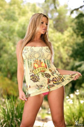 221899444_christine_vinson_nude__sexy_96_nude_photos_7.jpg