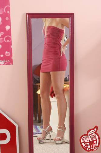 Privateschooljewel  002. Mirror - Girlsdelta